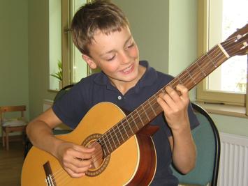 Gitarre spielen lernen in der Gitarrenschule