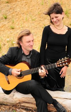 Spanische Gesänge und Gitarrenmusik
